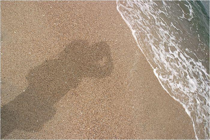 autoportret pe nisip