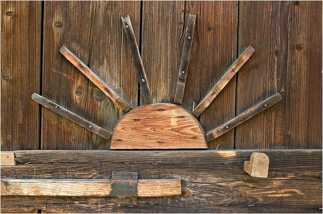 rasaritul soarelui de lemn