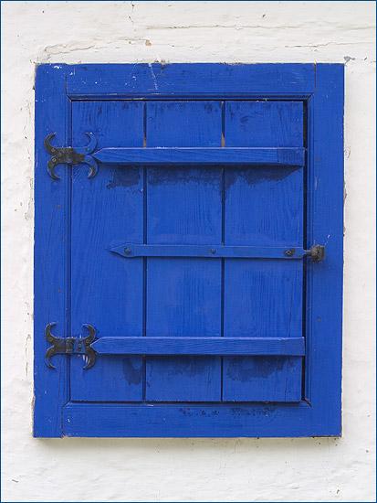 blue, very blue